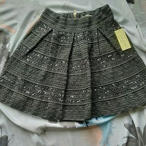 🌼New black skirt with sequins